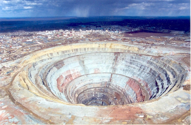 Mirny_diamond-_Mine_of_Siberia